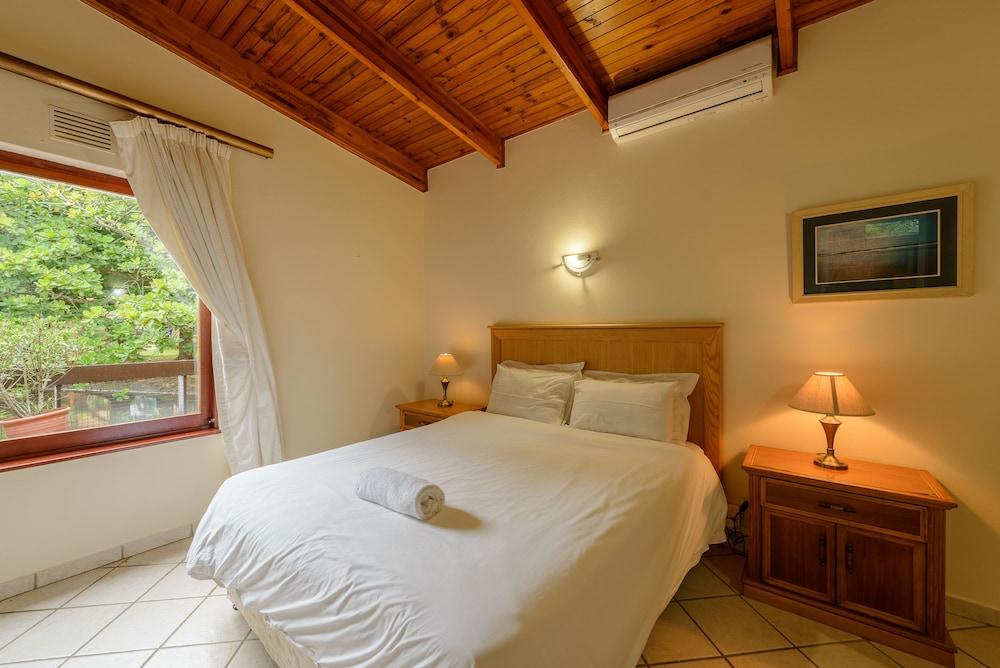 San Lameer Villa Rentals 3411