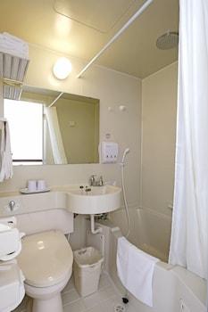 TOYOKO INN CEBU Bathroom