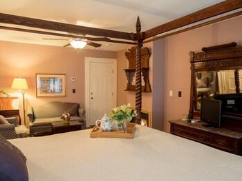 Room (Fine Arts )