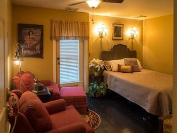 Room (Speakeasy)