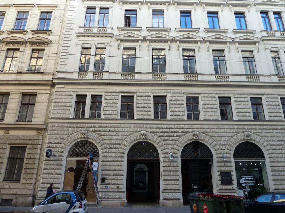 Sobieski Apartments Historic City