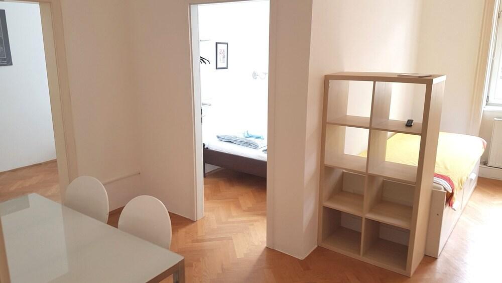 Sobieski Donaukanal Apartments