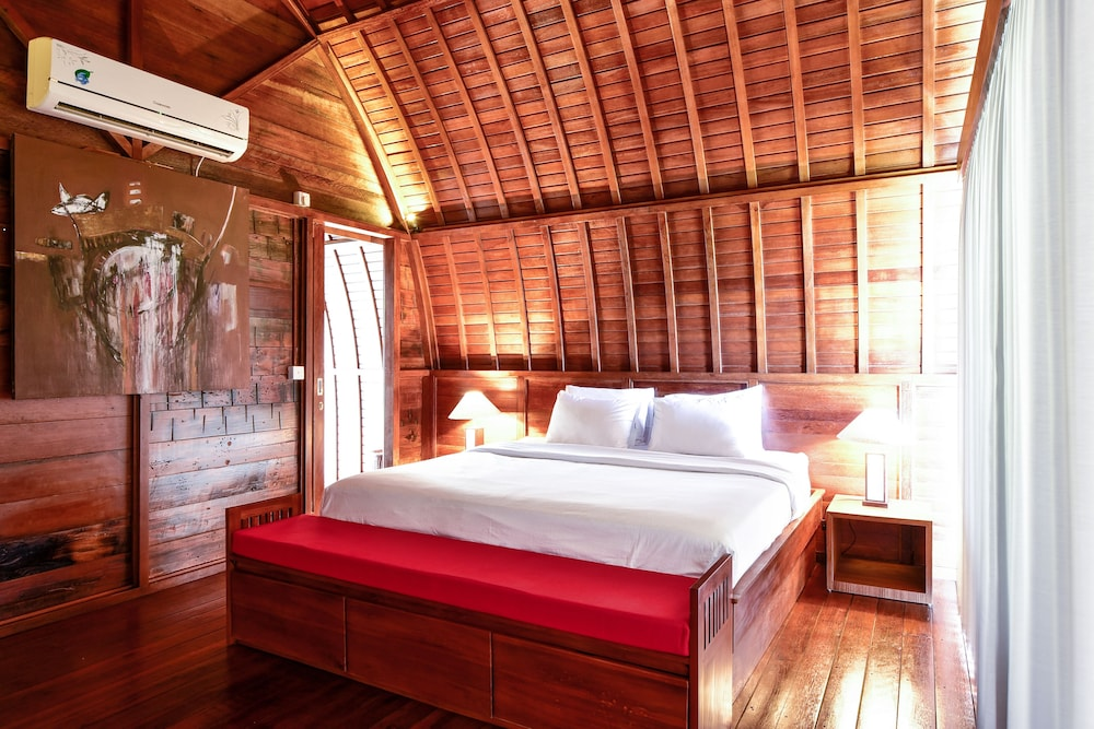 The Lumbung Wood Villa