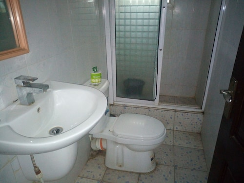 Bayse One Executive Suites and Bar, IbadanSouth-West