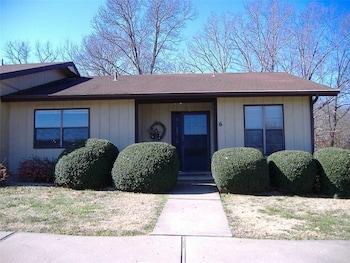Eleanor Townhouse Unit 5011 2 Bedrooms 1.5 Bathroom Townhouse