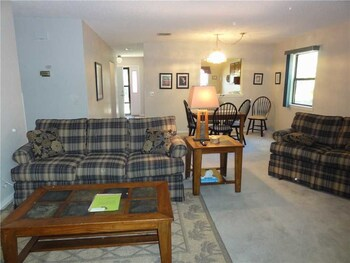 Carroll Townhouse Unit 5074 2 Bedrooms 2 Bathrooms Townhouse