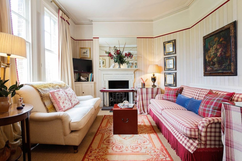English Country House Charm