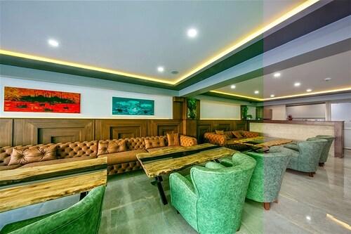 Asia Business Suites, Maltepe