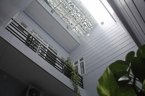 Mai Tra Hotel, Qui Nhơn