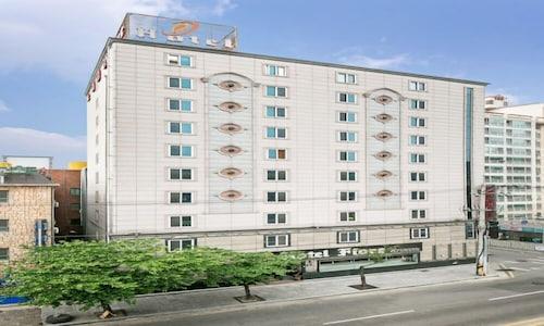 . Fiore Tourist Hotel