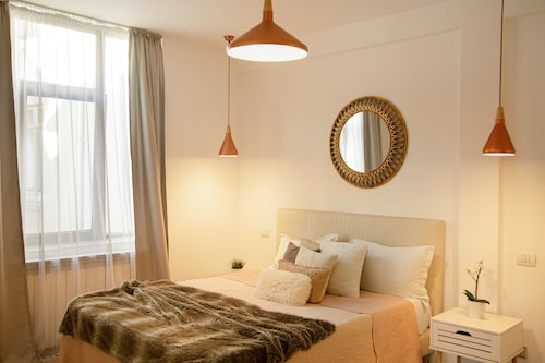 . Metropole Apartments Invilla Old City