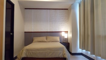 1 BEDROOM CONDO AT ONE PACIFIC RESIDENCE Air conditioning