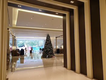 1 BEDROOM CONDO AT ONE PACIFIC RESIDENCE Interior