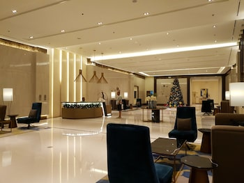 1 BEDROOM CONDO AT ONE PACIFIC RESIDENCE Lobby