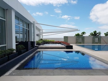 1 BEDROOM CONDO AT ONE PACIFIC RESIDENCE Outdoor Pool