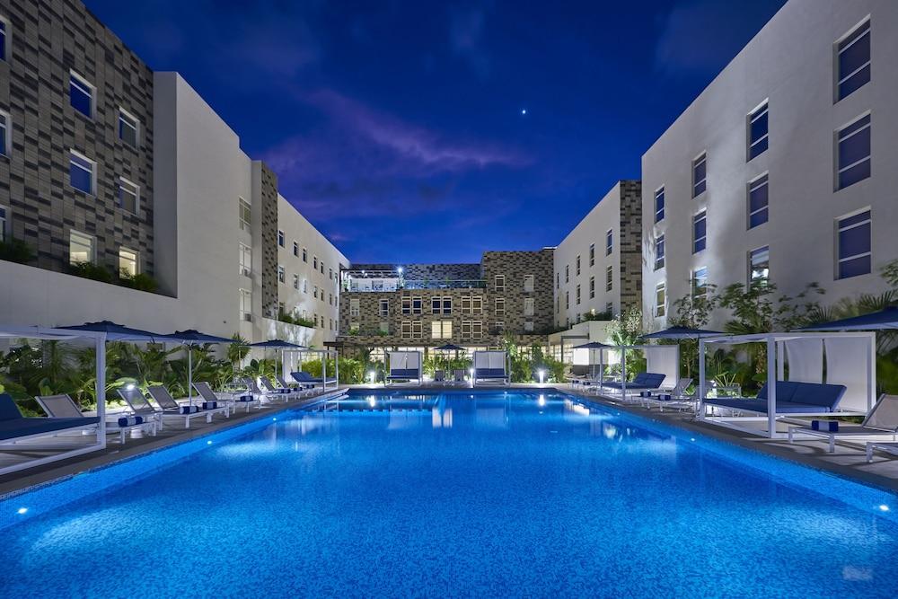 Cancun, Mexico cheap hotel