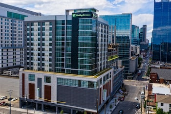 納什維爾市中心 - 會議中心假日套房飯店 - IHG 飯店 Holiday Inn and Suites Nashville Dtwn - Conv Ctr, an IHG Hotel