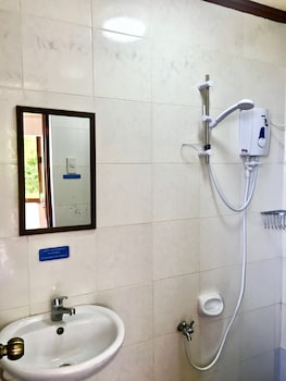 SARAH BED & BREAKFAST Bathroom