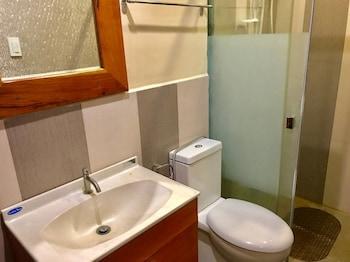 THE HILL VIEW FISHING FARM Bathroom