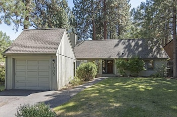 Pine Knoll 2 Bedrooms 2 Bathrooms Home
