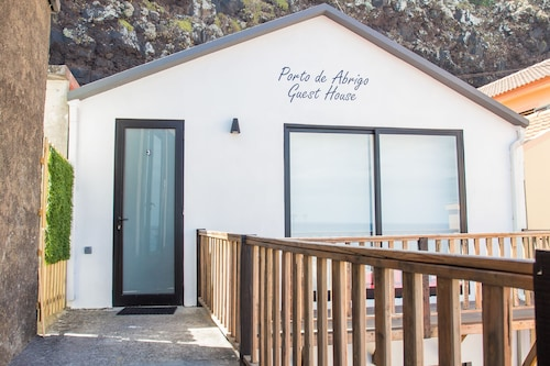 . Porto de Abrigo Guest House