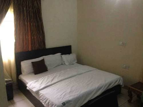 Ekulu Green Guest House, Enugu North