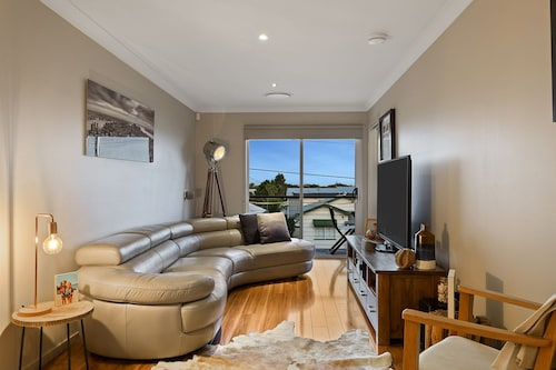 resort style home close to airport & CBD, Brisbane