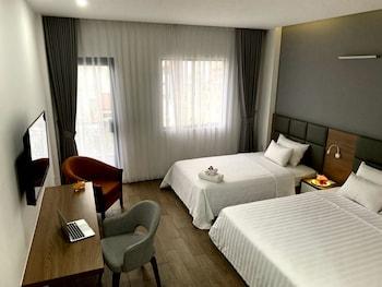 Premier Twin Room, Balcony