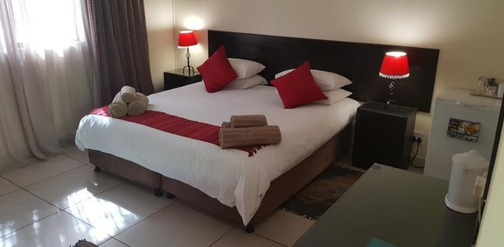 360 Eastwoods Guest House