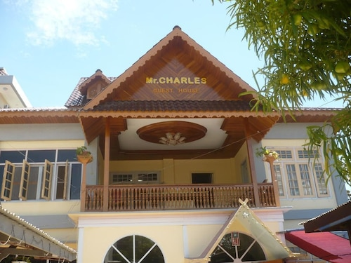 Mr. Charles Guest House - Hostel, Kyaukme