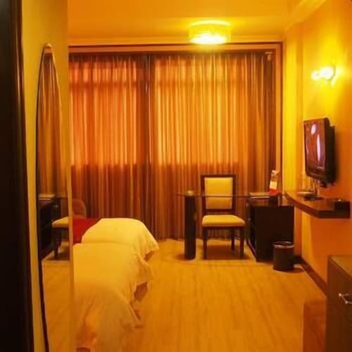 Lianzhou City Le Grand Large Hotel, Qingyuan