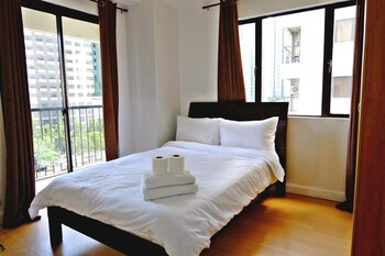FORBESWOOD HEIGHTS 2BR BY STAYS PH Room