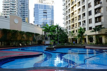 FORBESWOOD HEIGHTS 2BR BY STAYS PH Indoor Pool