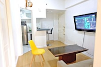 FORBESWOOD HEIGHTS 2BR BY STAYS PH