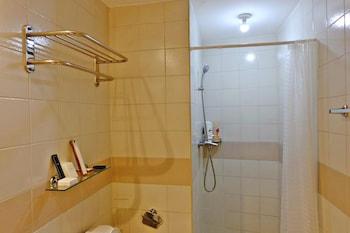 BELLAGIO TOWERS BY STAYS PH Bathroom