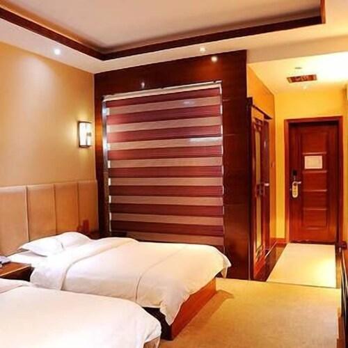 Wang Fu Hotel, Dehong Dai and Jingpo