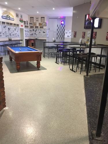 Granville Tavern and Motel, Maryborough