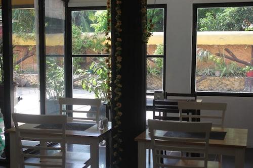 Axis Pension Hotel, Lapu-Lapu City