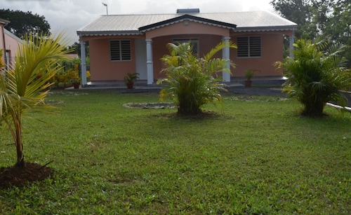House With 2 Bedrooms in Lamentin, With Wonderful Mountain View, Enclo, Lamentin
