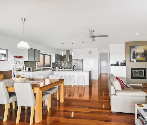 SUNNY-DAZE - BONNY HILLS, Port Macquarie-Hastings - Pt B