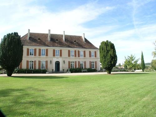 . Château du Bourbet