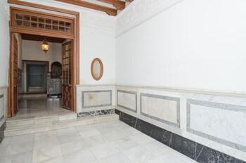 アパルタメントス プラサ サンタ アナ
