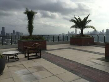 2 BR CONDO AT SHERIDAN CONDOMINIUM Terrace/Patio
