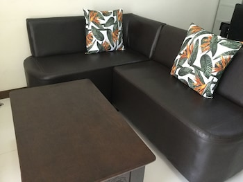2 BR CONDO AT SHERIDAN CONDOMINIUM Living Room
