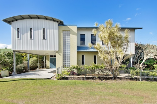 RIVERVIEW BEACH HOUSE, Port Macquarie-Hastings - Pt B