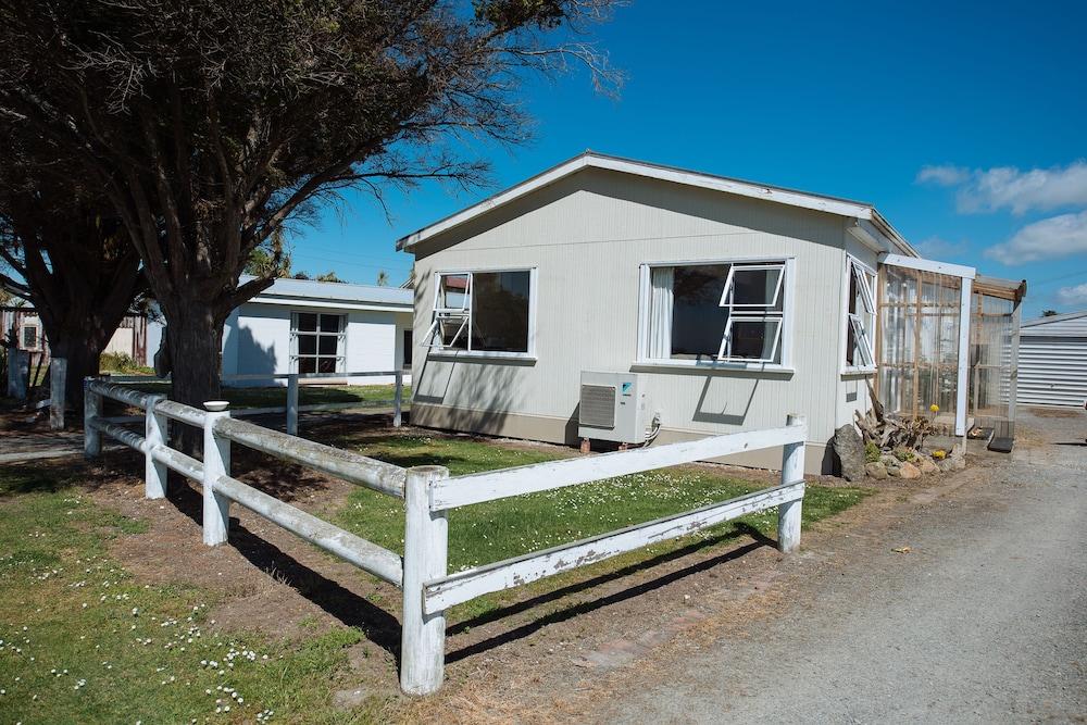 Pounawea Waterfront House