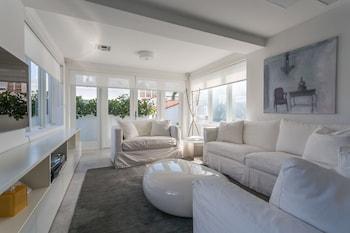 Luxury Double Balcony Condo