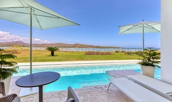 Senator Luxury Swim Up Suite Ocean View