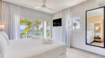 Senator Imperial One Bedroom Suite Ocean View