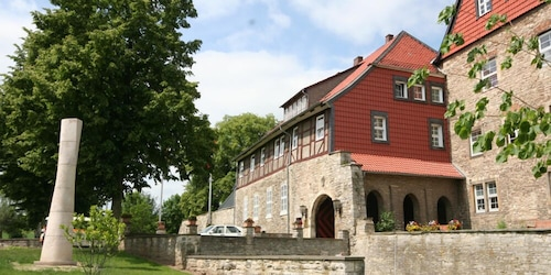 . Burg Warberg